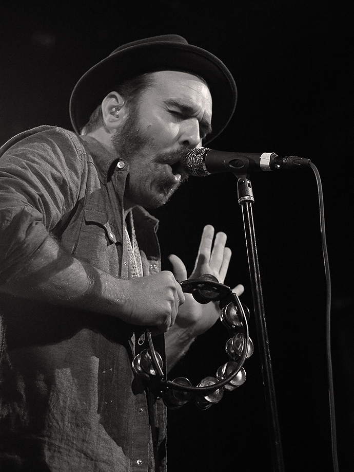 Red Wanting Blue