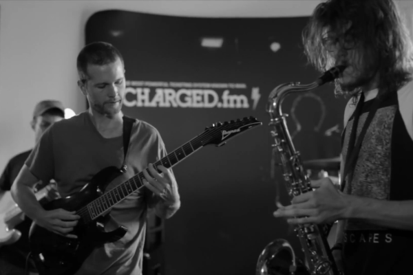 CHARGED.FM LIVE SESSION WITH DUMB WAITER