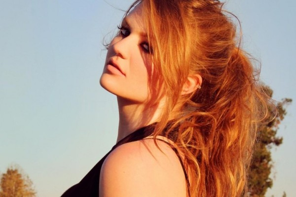 920_one-to-watch--up-and-coming-musician-kathryn-dean-3798