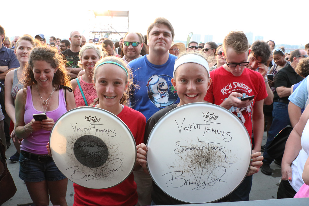 Two young fans get a prize!