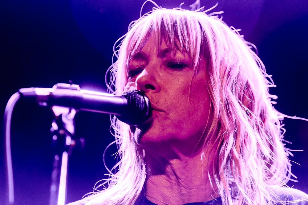 Body/Head (Kim Gordon)performing