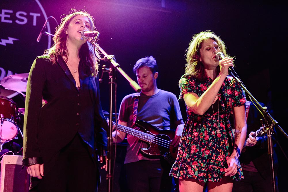 Norah Jones, Sasha Dobson, Jillette Johnson performing