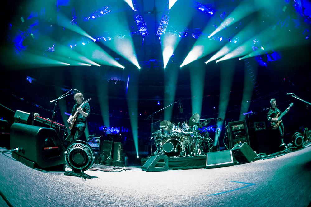 Phish begin their nye run at madison square garden - Phish madison square garden tickets ...