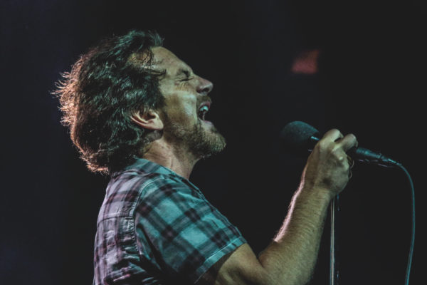 PEARL JAM SHAKE MADISON SQUARE GARDEN WITH INCREDIBLE SET & POLITICAL MESSAGE