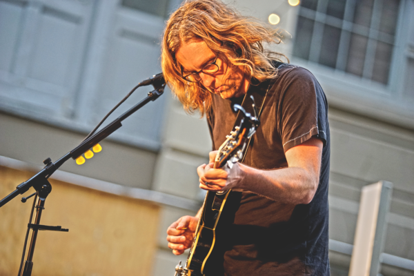 CARL BROEMEL BREAKS OUT NEW TUNES AT BAEBLE MUSIC'S 'BANDS & BREWS'