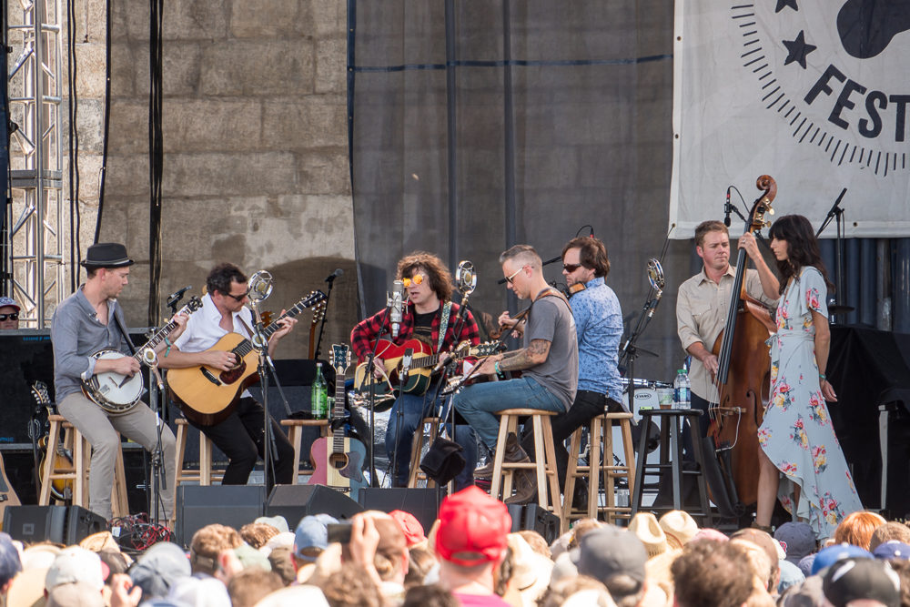 Ryan Adams with The Infamous Stringdusters featuring Nicki Bluhm