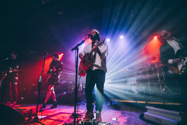 ANGUS & JULIA STONE BRING SWIRLING ENERGY TO WARSAW
