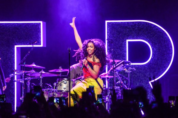 SZA IS IN CONTROL AT BROOKLYN STEEL