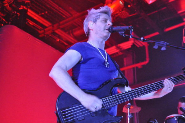 MIKE GORDON JAMS AT BROOKLYN BOWL