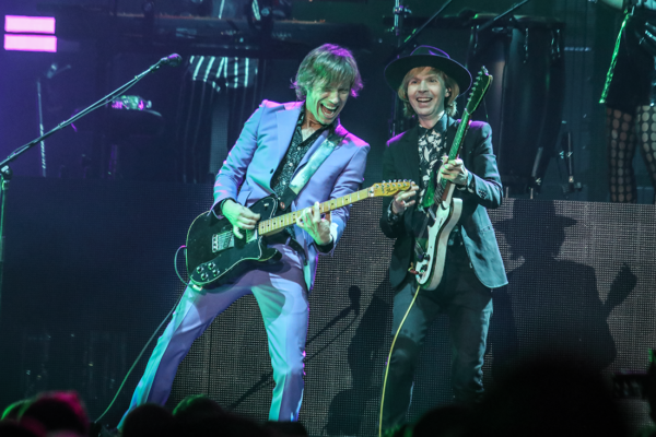 BECK ADDS SPECIAL STORIES & GUESTS TO EXCITING MSG SHOW
