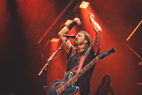 FOO FIGHTERS ROCK 'GILLIGAN'S ISLAND/ALCATRAZ' AKA JONES BEACH