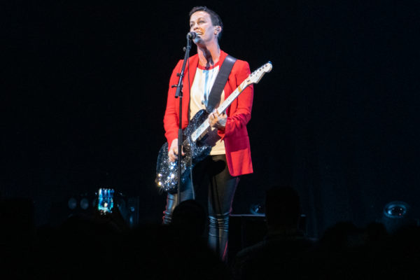 ALANIS MORISSETTE SHINES BRIGHT AT MOHEGAN SUN
