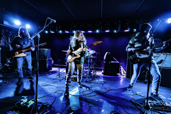 WELLES FIRES UP MERCURY LOUNGE WITH KATE DAVIS