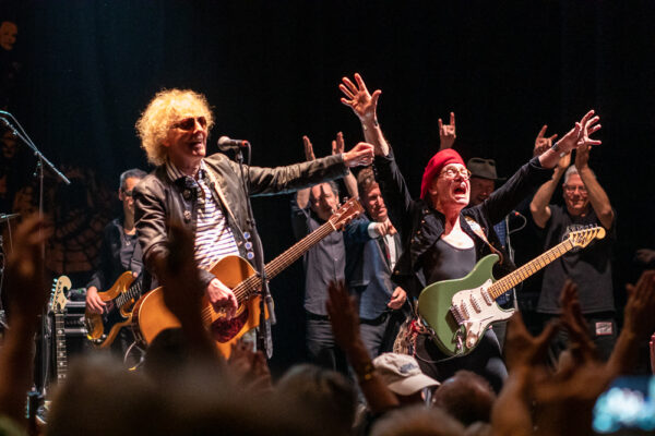 MOTT THE HOOPLE '74 HIT THE ORPHEUM THEATRE