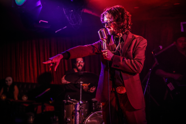 J HACHA DE ZOLA PERFORM A MOODY SET AT THE MCKITTRICK