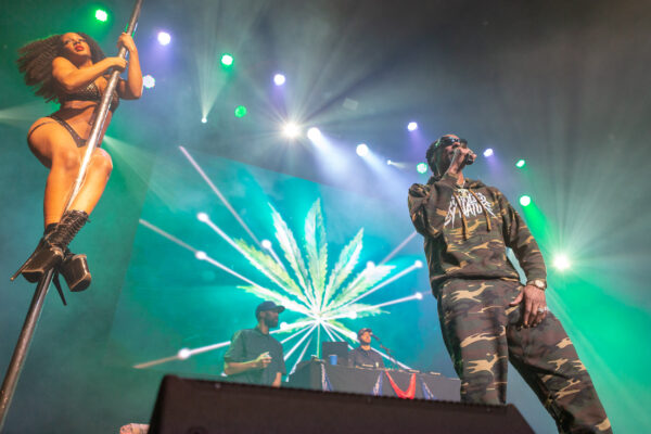 SNOOP DOGG BRINGS HIS OLD-SCHOOL HOUSE PARTY TO THE WELLMONT