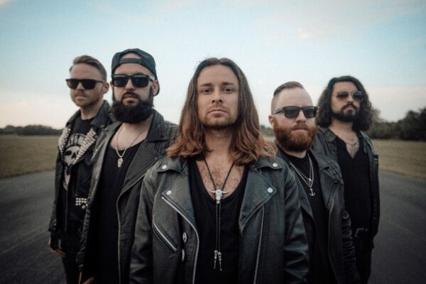 VIDEO PREMIERE: 'BLOOD IN THE WATER' BY TRUE VILLAINS