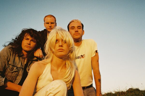 ALBUM REVIEW: 'COMFORT TO ME' BY AMYL AND THE SNIFFERS